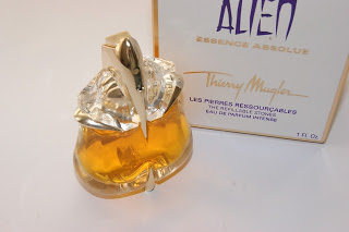 Review – Alien Essence Absolue perfume