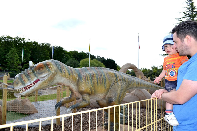 Lightwater Valley dinosaur crazy golf