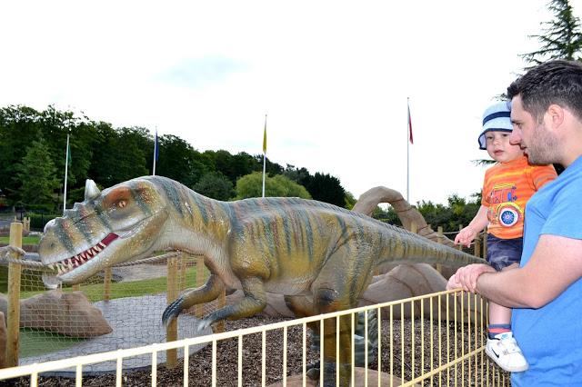 Lightwater Valley dinosaur crazy golf
