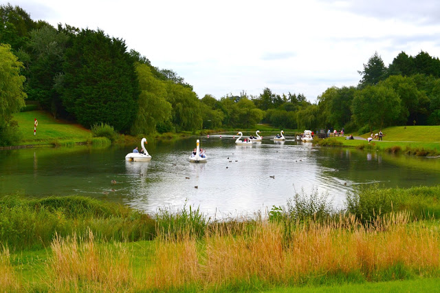 Lightwater Valley boating lake and swan pedal boats