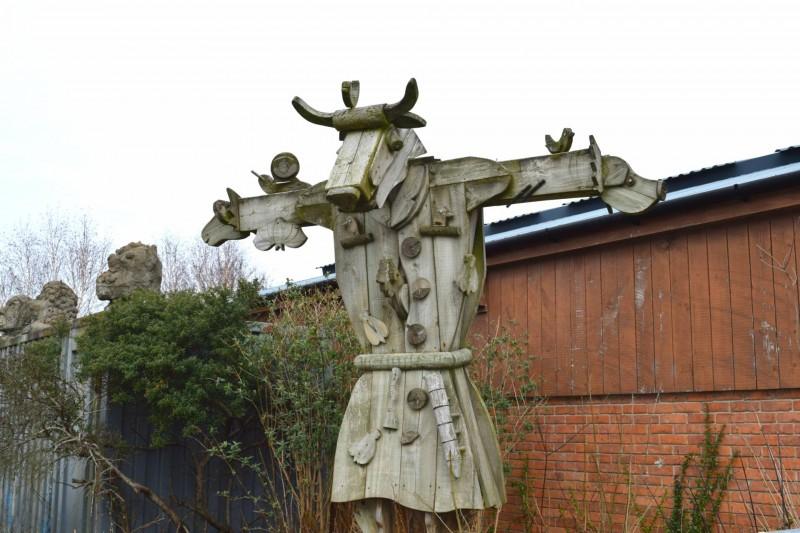 Bill-Quay-Farm-statue