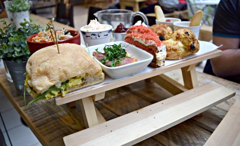 Garden-Kitchen-Newcastle-picnic