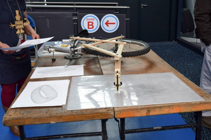Maker-Faire-giant-drawing-machines
