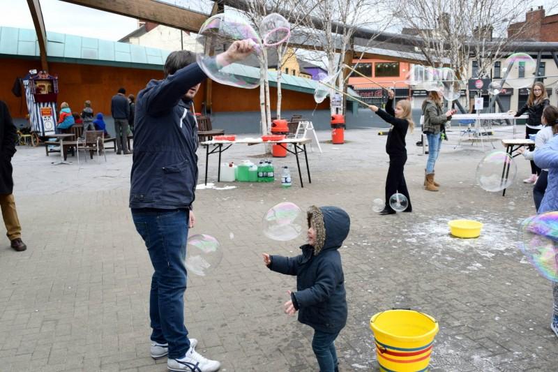 MakerFaire-bubbles