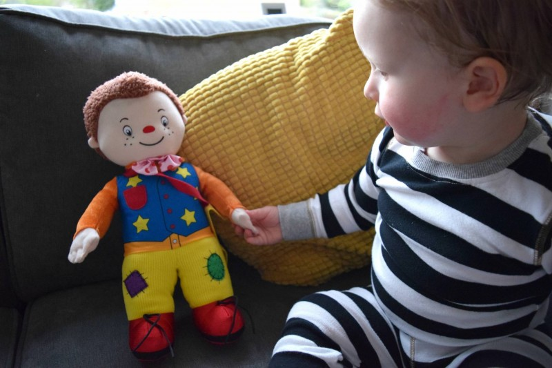 Textured-Mr-Tumble-playing