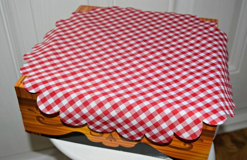 Crazy-Cafe-tablecloth