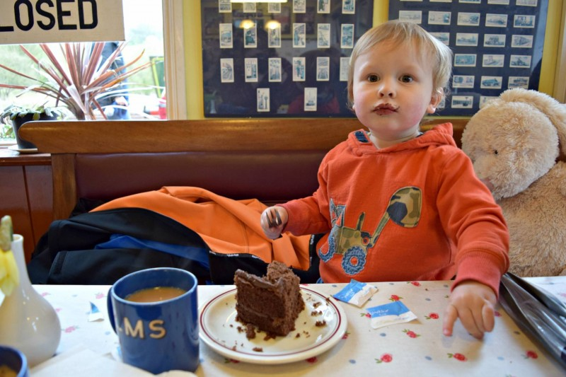 Embsay-Bolton-Abbey-Steam-Railway-eating-cake