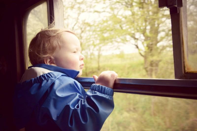 toddler-train-window