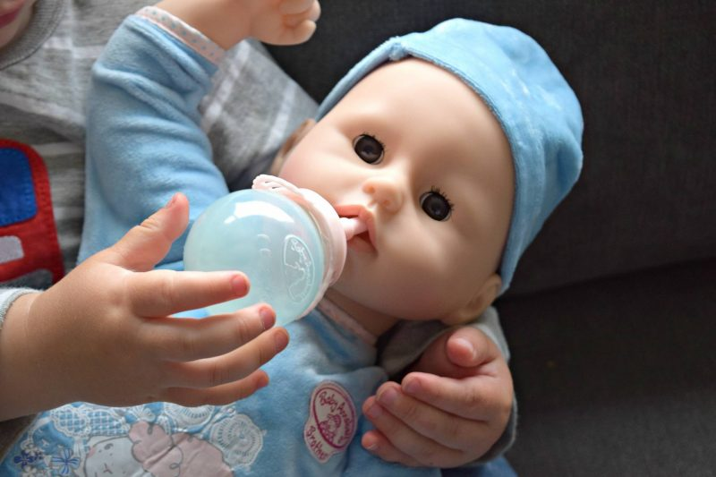 Baby-Annabell-brother-bottle