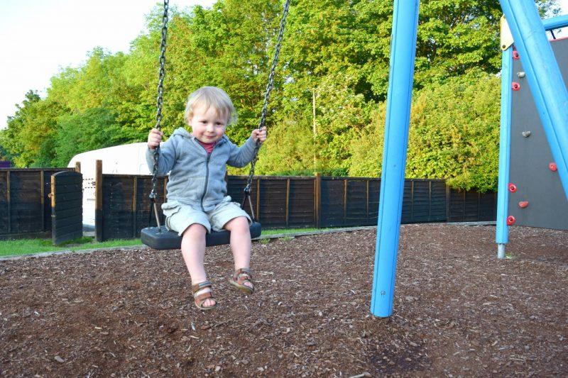 Swinging-outdoors
