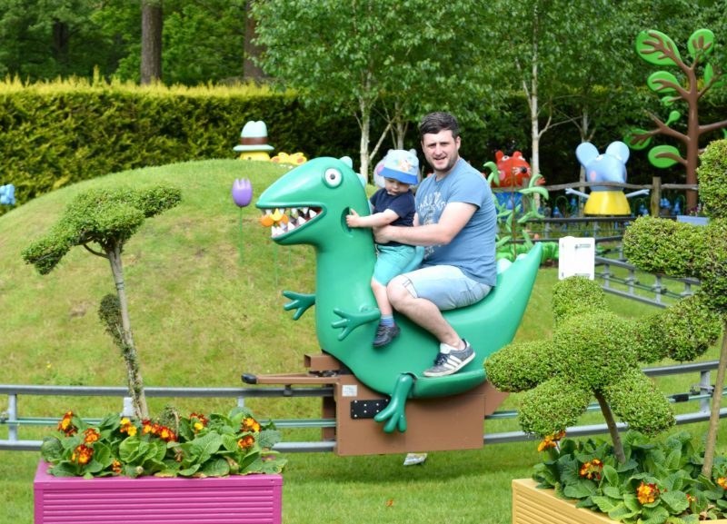 Peppa-Pig-Mr-Dinosaur-ride