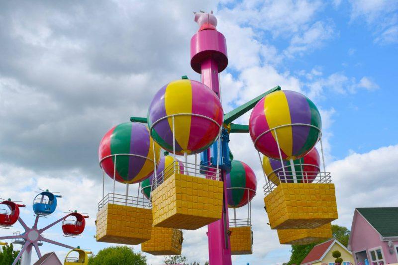 Peppa-Pig-balloon-ride
