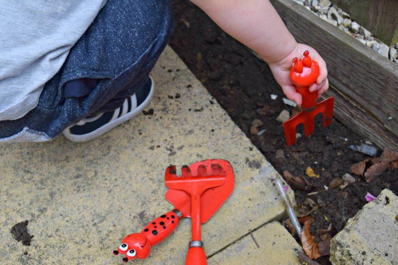 BandM-gardening-tools