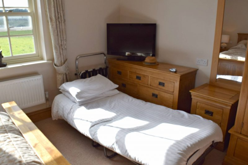 Oxpasture-Hall-Hotel-toddler-bed