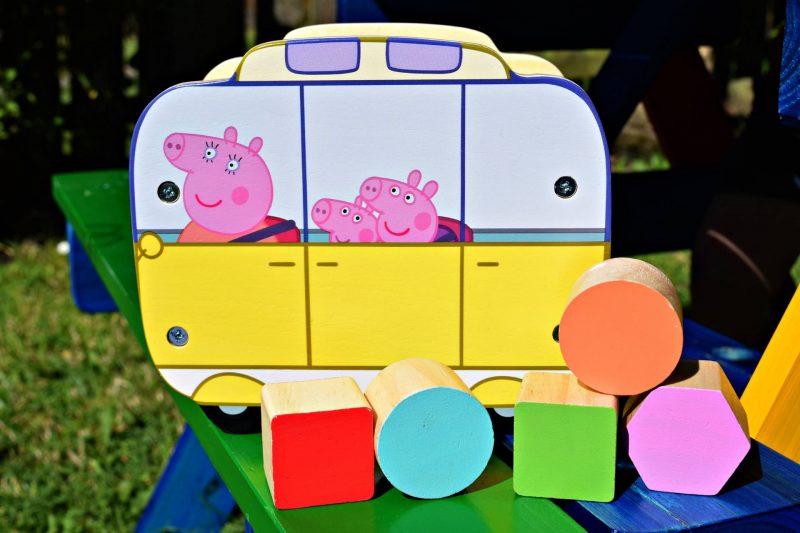Peppa-Pig-Camper-van-shape