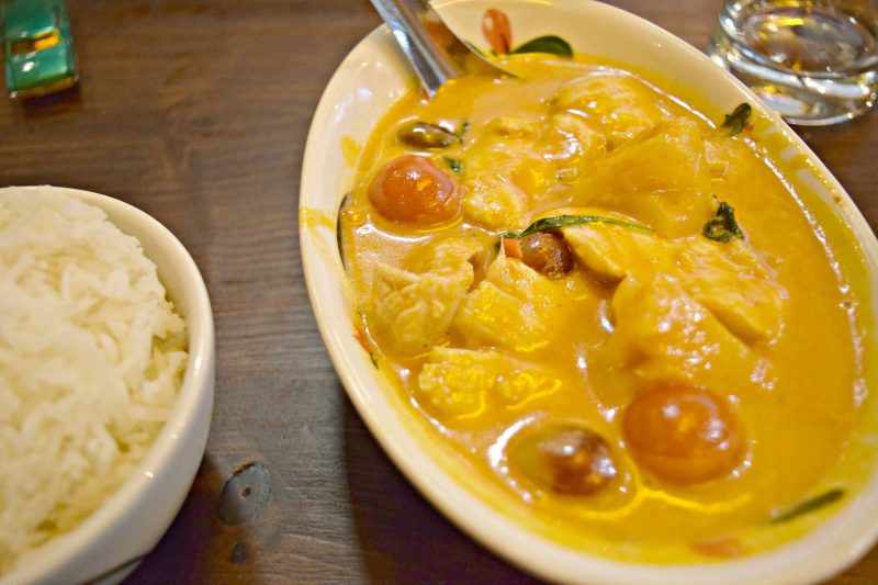 Thaikhun-red-curry