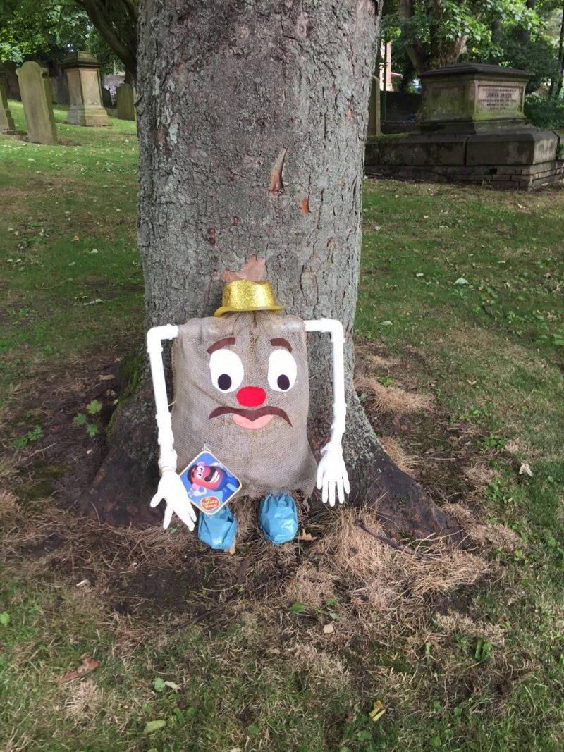 Scarecrow-potato-head