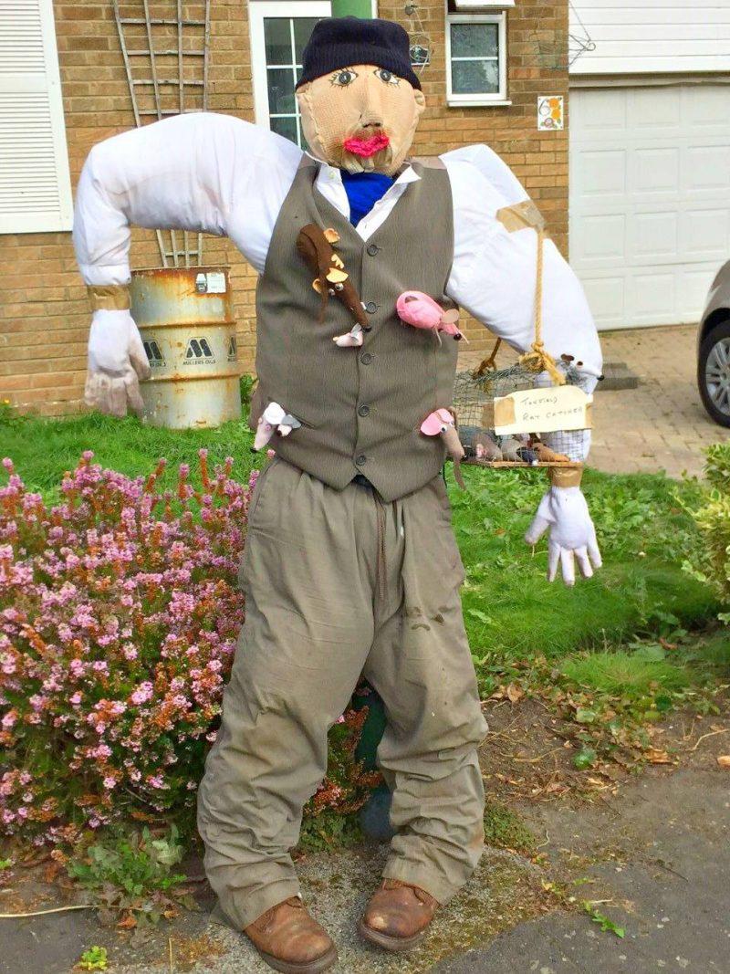 Scarecrow-ratcatcher