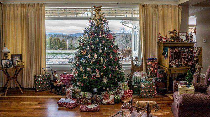 christmas-tree-1111031_1920