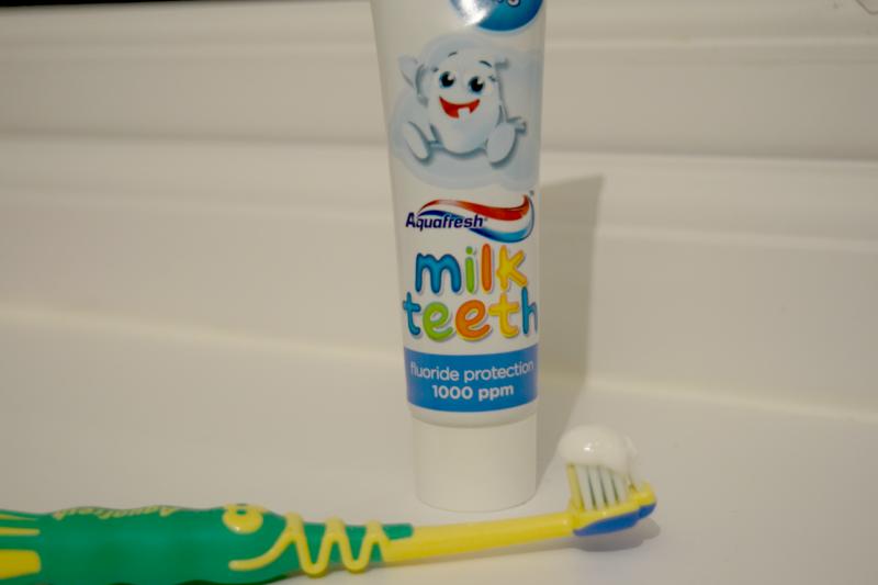 aquafresh-milk-teeth