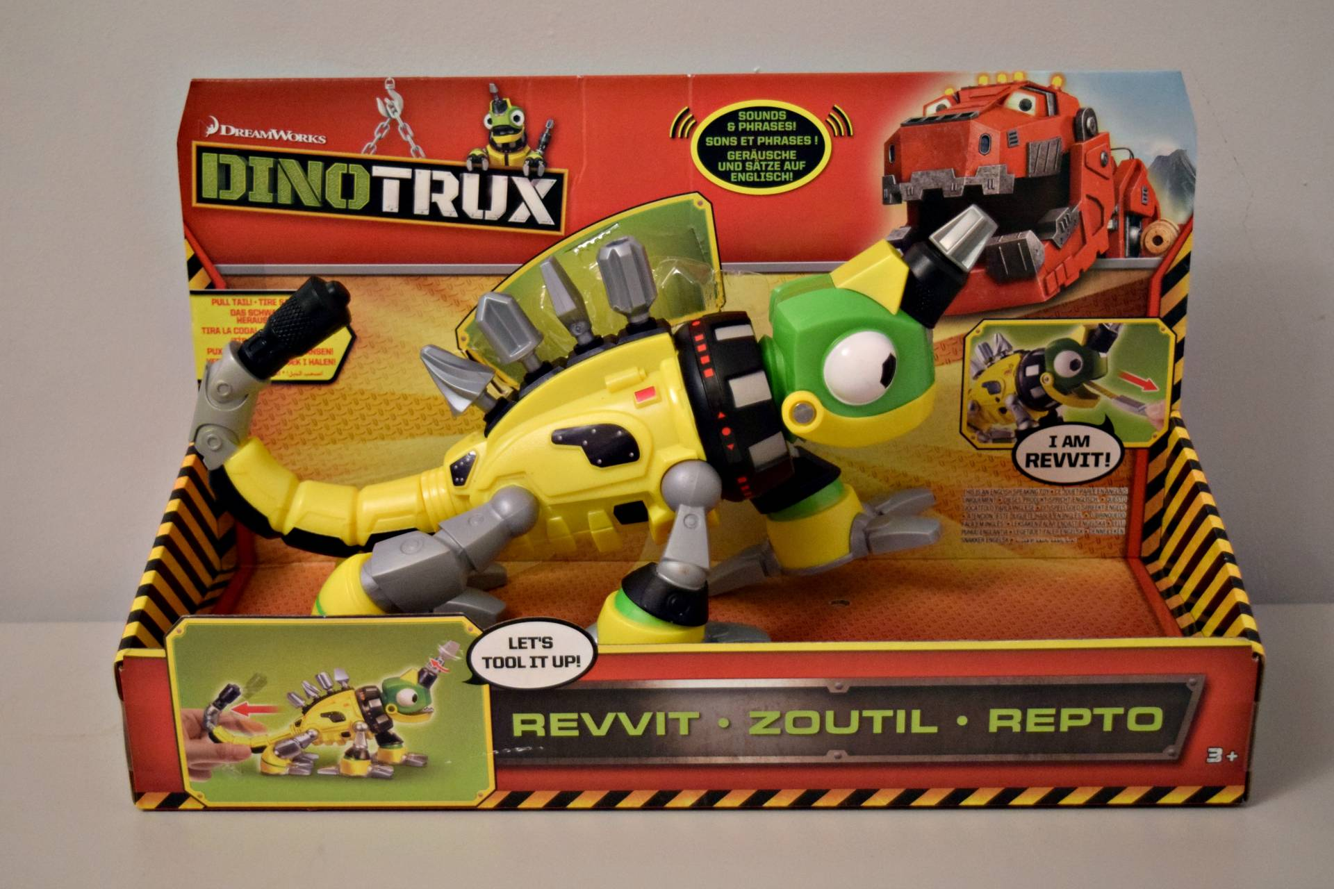 Dreamworks Dinotrux Review Rock And Roll Pussycat