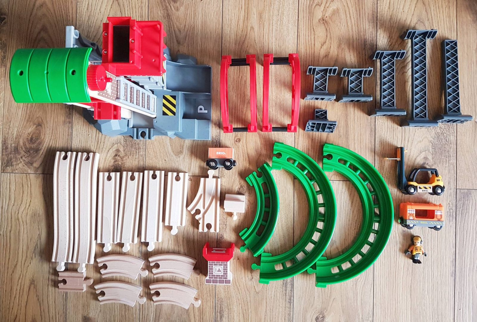 BRIO Lift & Load Warehouse Set Review