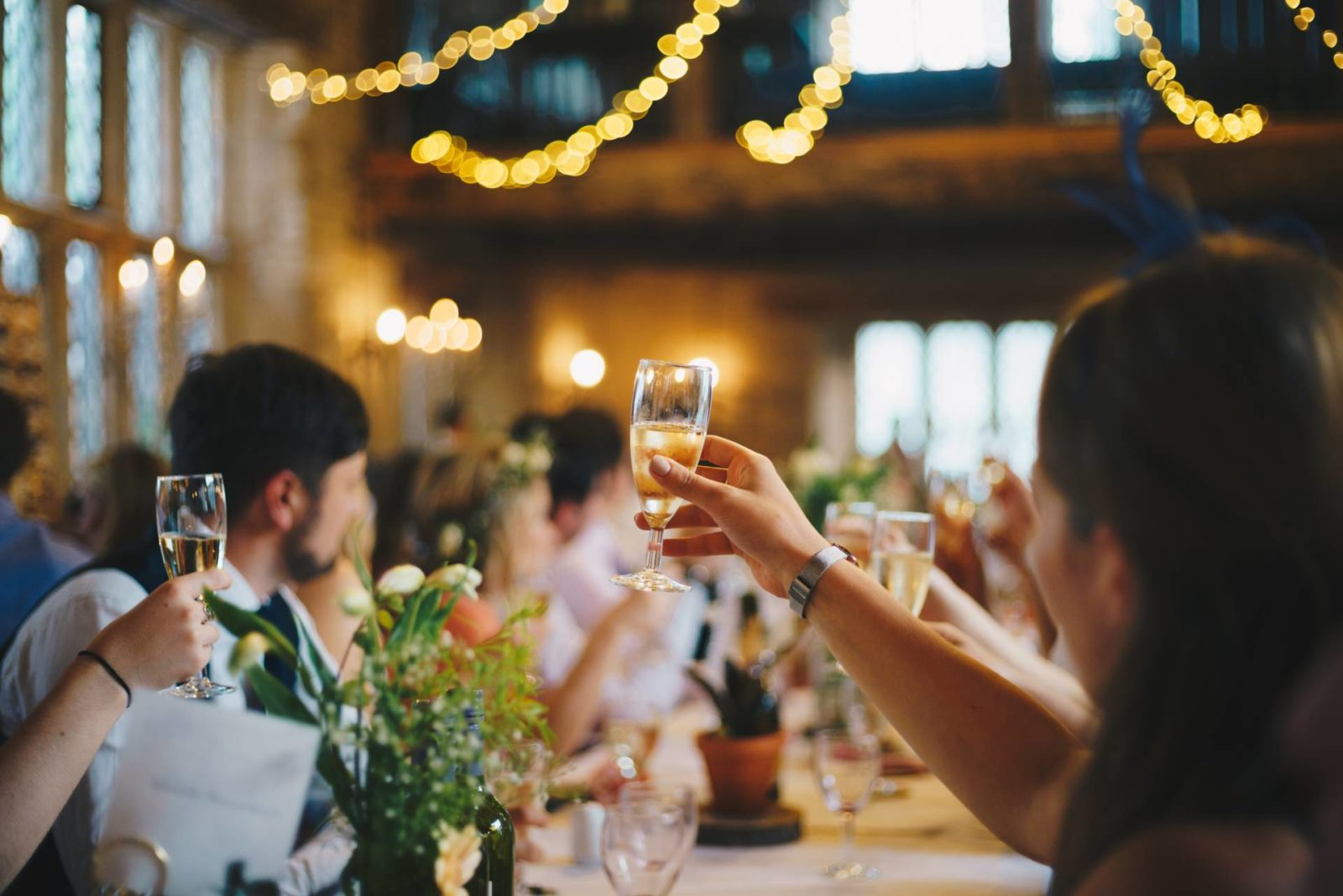 DJ Vs Live Band: Which Is Better For Your Wedding?